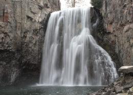 Rainbow Falls in Devil's Postpile National Monument