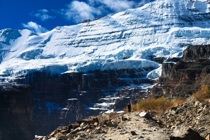 plain of six glaciers-18
