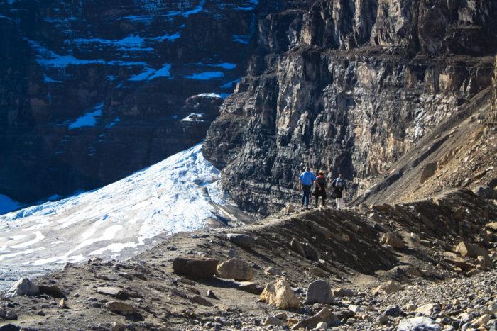 plain of six glaciers-24